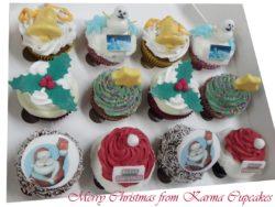 12 Christmas Cupcakes