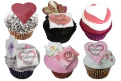 6 mixed Valentine Cupcakes (without lace wrappers)