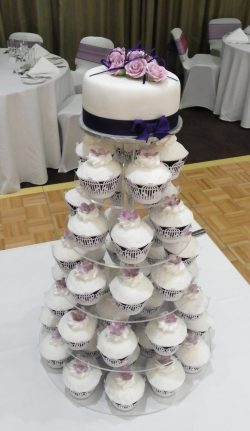 "Traditionally iced 6"" top tier cake & your choice of cupcakes"