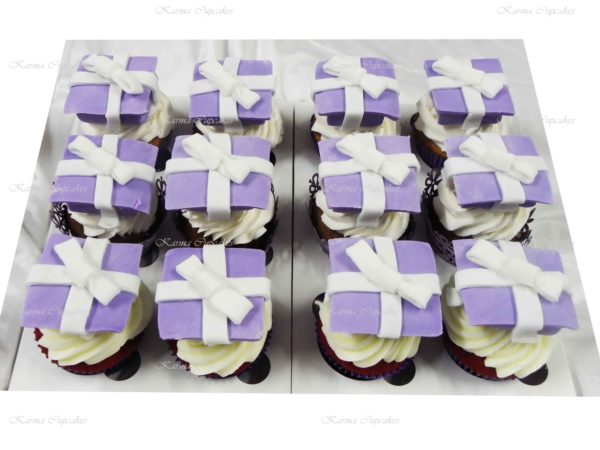 Birthday Cupcakes with Presents and Bows - Choose your colour