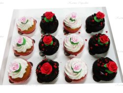 Hearts and Roses Cupcakes