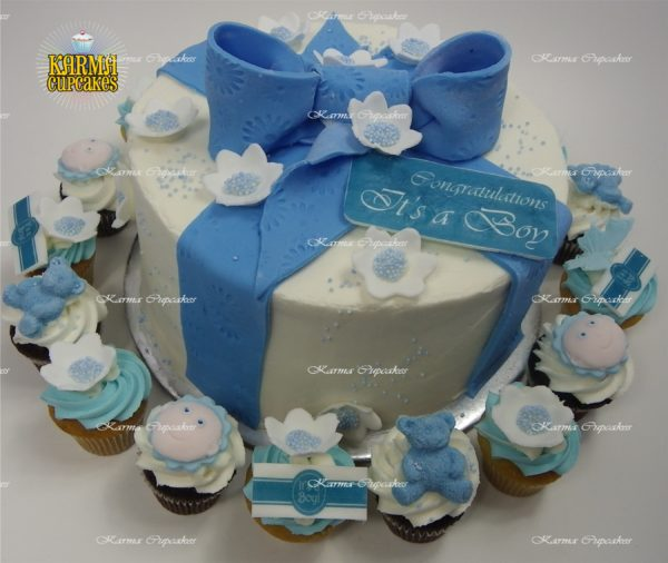 """Baby Shower and Gender Reveal 8"""" Cake"""