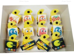 Pac-Man Mini Cupcakes