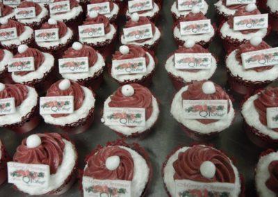 Q1 chirstmas cupcakes- karma cupcakes gold coast