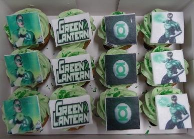 Mini Green Lantern Cupcakes