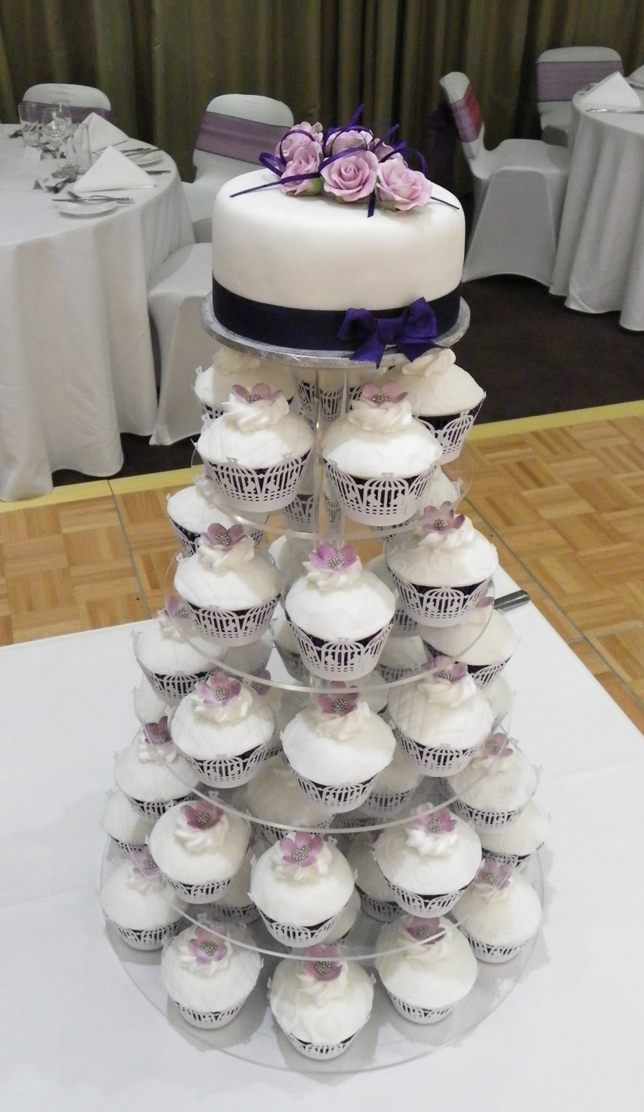 """Traditionally iced 6"""" top tier cake & your choice of cupcakes"""