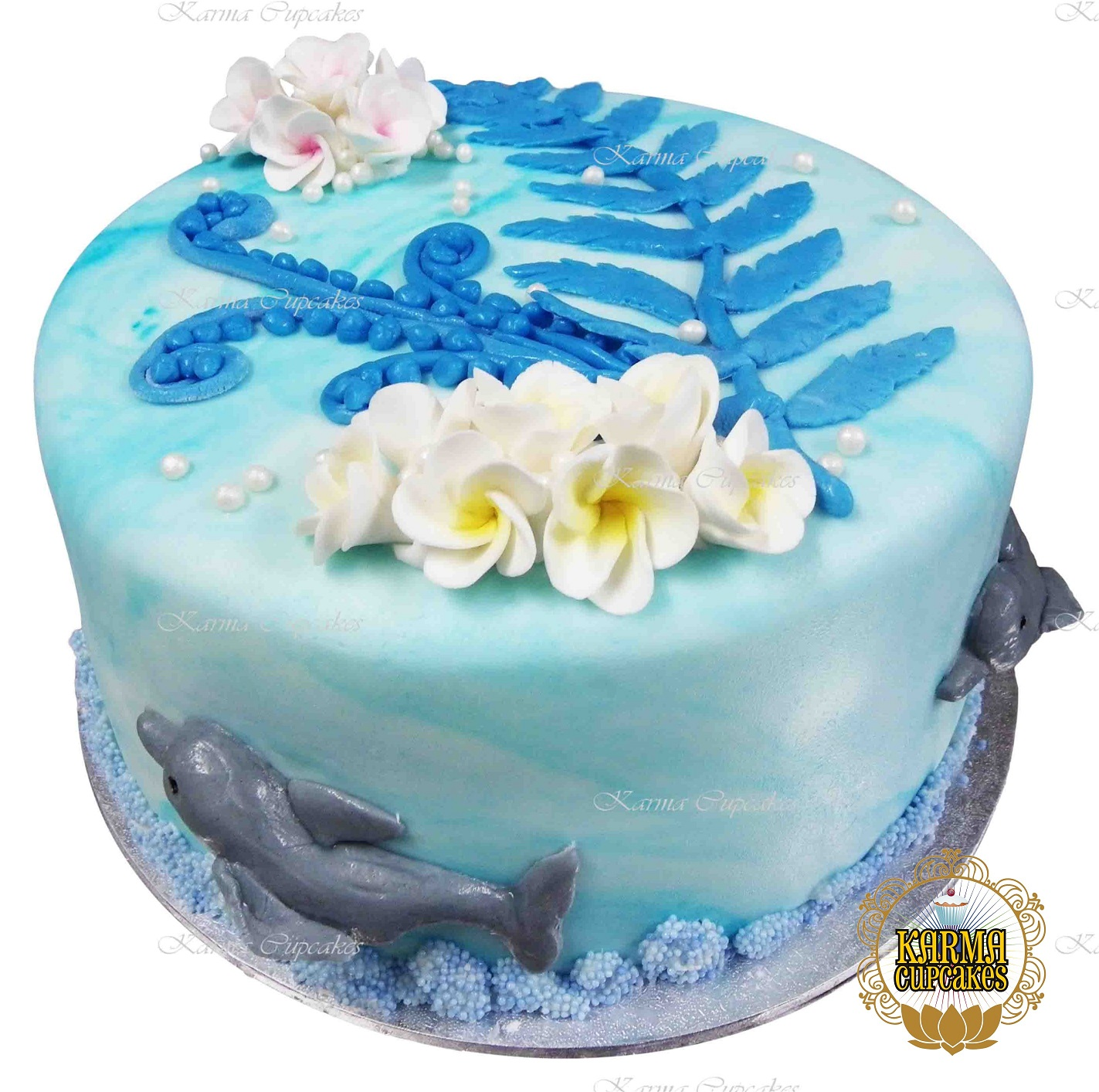 3D Dolphins with Edible Frangipanis Cake